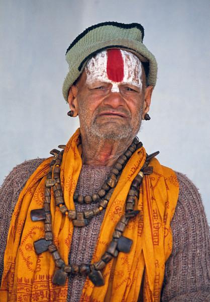 L1989 Vaishnava sadhu (vertical tilak on forehead)