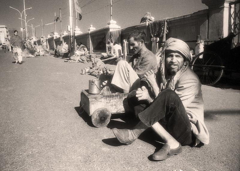 L2639 On the ghat, Hardwar