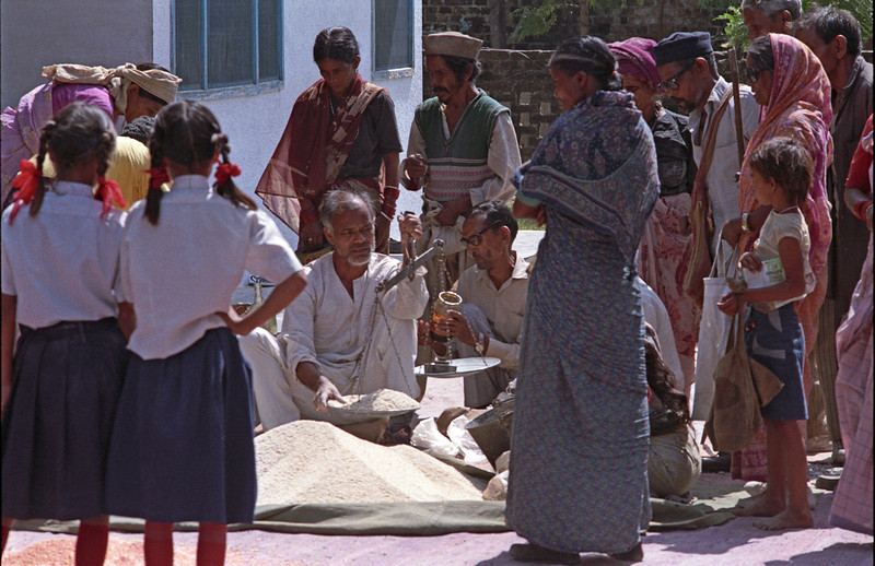 Food assistance is given to leper families