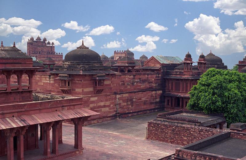 L2897 Fatehpur Sikri