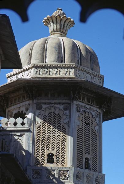 L1803 City Palace portico at Udaipur