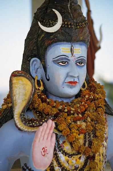 L2009 Shiva statue. near Rishikesh