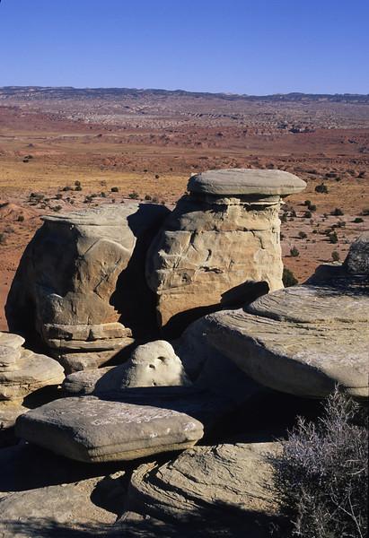 L6353 Utah dry country
