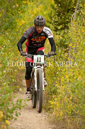 A familiar face on the pro men's podiums, Jay Henry reeled in racers every lap to finish second.