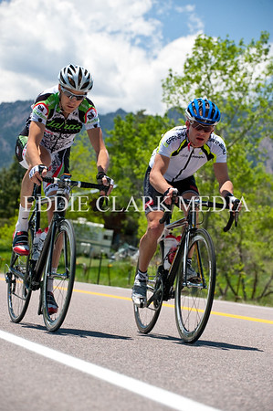 Pro Men's first Benjamin Blaugrun (right) and second Jason Donald (left)  dropped their breakaway partners with two laps to go.