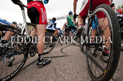 A wheels-eye view pre-start at the Cat 3 race.