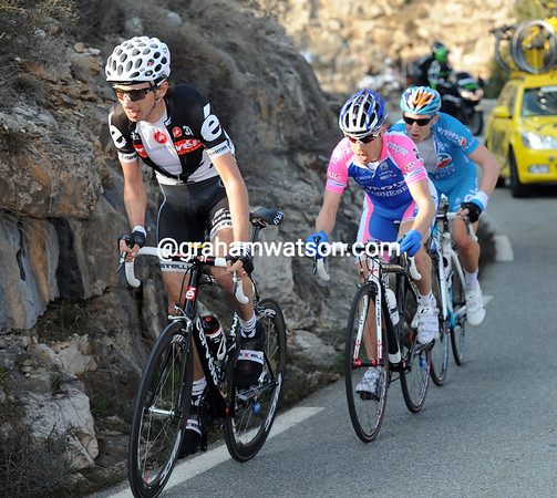 Tondo has split the escapers on the Col de Vence - he has Cunego and Trofimov with him still...