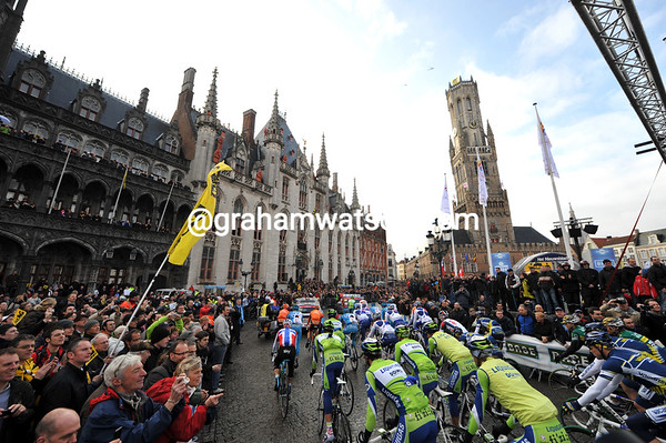 The 2010 Tour of Flanders sets off from Bruges...
