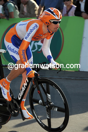 Denis Menchov is in Romandie for training - the Russian finished 24th at 10-seconds...