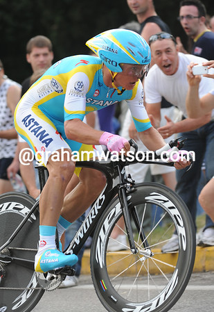 Alexandre Vinokourov took 3rd today at 17-seconds - the Kazakh 'star ends his first-ever Giro in 6th overall...