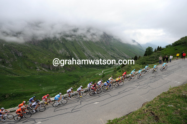 Astana is heading into the clouds on the Glandon, no scenery shots today..!