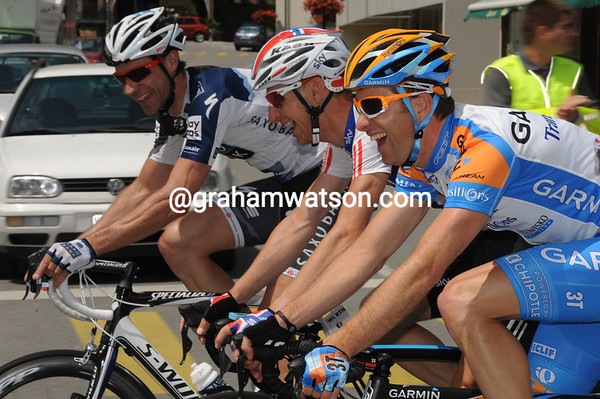 It's all laughs for Christian Vande Velde and his mates, Arvesen and Voigt - maybe they are counting their age-total..?