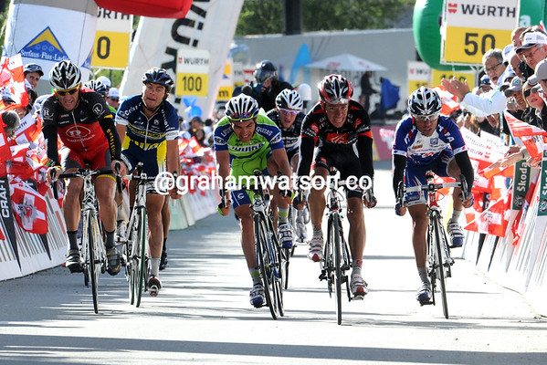 Armstrong, Uran, Zaugg, Carrara and Rodriguez sprint it out for 2nd place 30-seconds later...