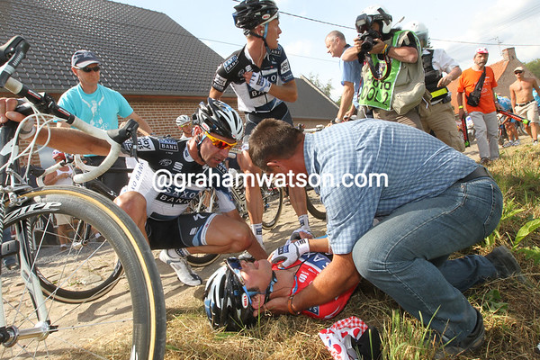 Frank Schleck has touched wheels and gone down..!