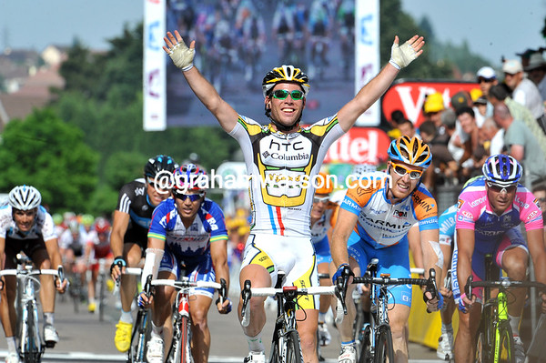 So easy - Mark Cavendish wins stage six..!