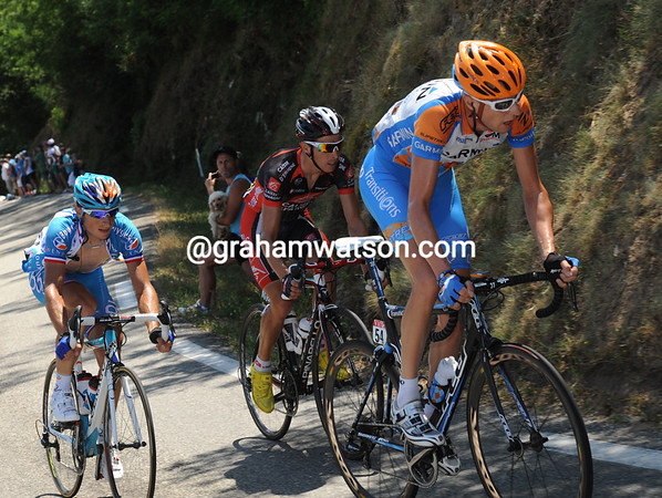 It's a rapid start to the day - Ryder Hesjedal is on the attack, and he's not the only one...