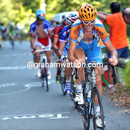 Johan Van Summeren has broken up the escape on the Col de Bales - only five men are in front now...