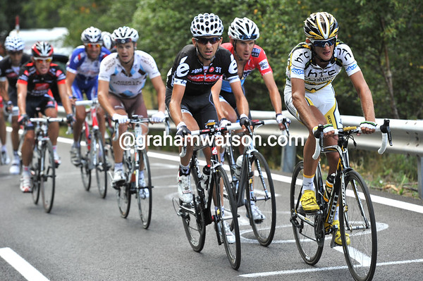Peter Velits leads a chase group containing Tondo, Schleck, Roche, Uran and a few others...