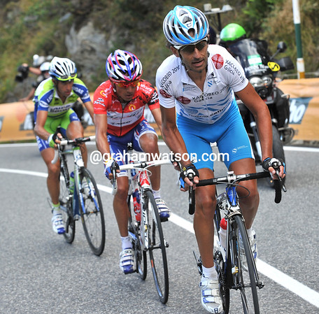 Mosquera has Rodriguez and Nibali still with him...