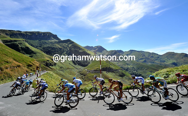 Welcome to Cantabrica - the peloton swoops down the descent of this heavenly mountain...