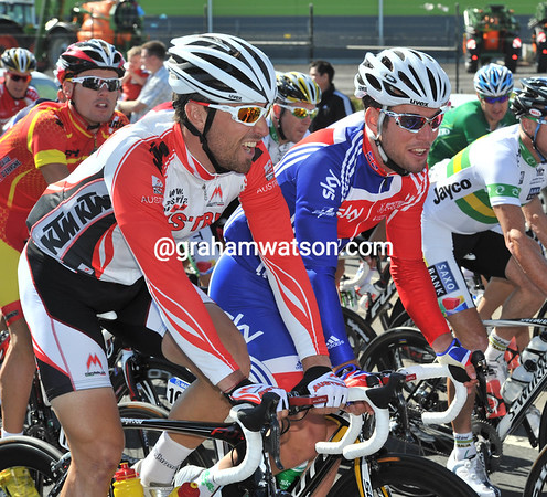 """""""What's the deal Mark"""", is Bernhard Eisel asking of Columbia teamate Mark Cavendish...this race could end in a sprint!"""