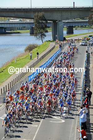 The peloton has made it on to the circuit just in time, albeit it 22-minutes after the escape...