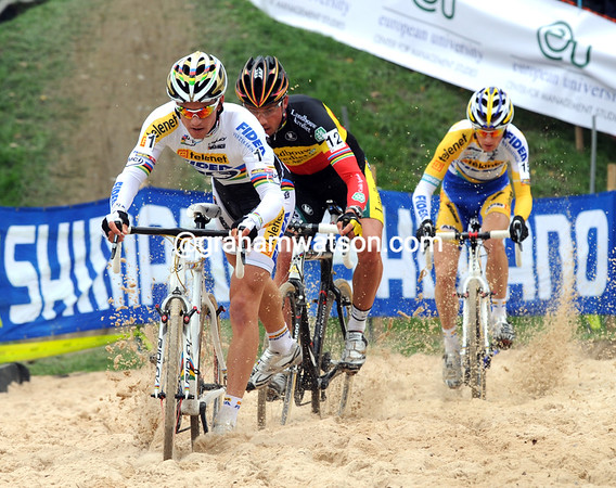 Back at the beach, Stybar has company from Nijs and Kevin Pauwels...