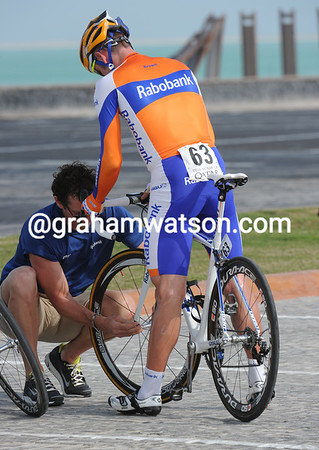 Graeme Brown overshot a corner then flatted his front tyre - and ended in second-to-last place..!