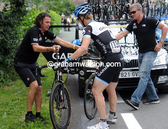 Tyler Farrar also need a new bike, this should become a sprinter's day if the teams do their work well...