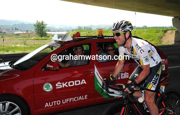Mark Cavendish is in great form today - a possible Maglia Rosa awaits and maybe the stage-win too...