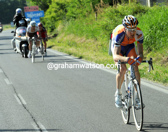 Weening has attacked just as he and Gadret catch Kohler with less than 10-kilometres to go...