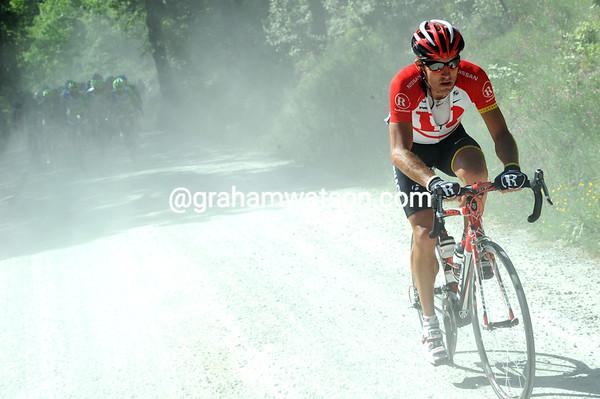 Yaroslav Popovych attacks from the peloton on the gravel roads...