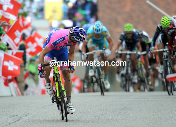 The uphill sprint looks good for a little chap in pink...