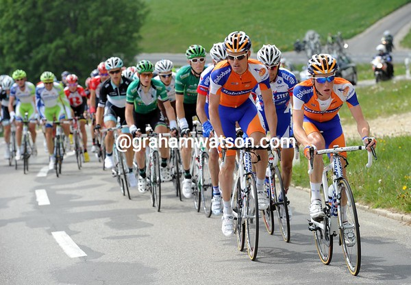 Rabobank is still chasing - they must have great confidence in their sprinter, Oscar Freire..!