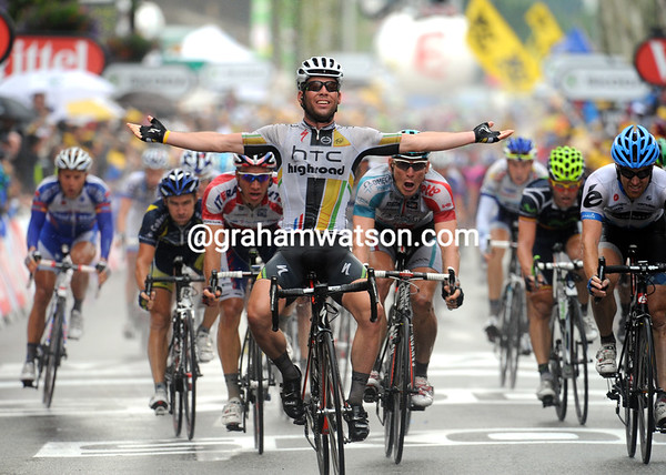 Mark Cavendish wins stage eleven, ahead of Andre Greipel and Tyler Farrar...