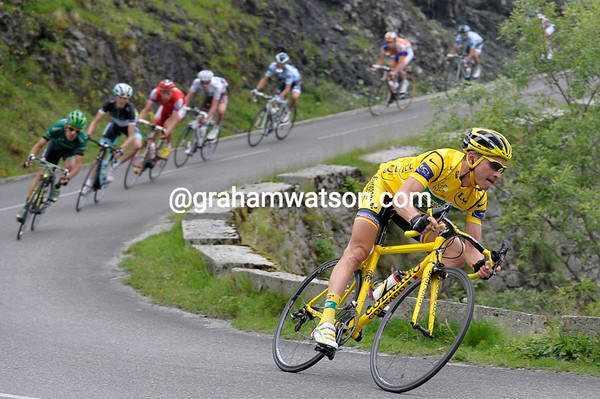 Thomas Voeckler leads the peloton down the descent and towards the Col du Soulor - they're eight minutes down...
