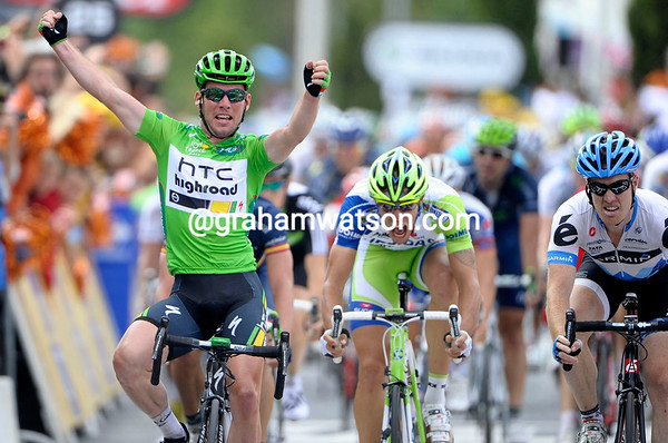 Mark Cavendish wins stage fifteen into Montpellier - it is his 19th Tour de France stage-win..!