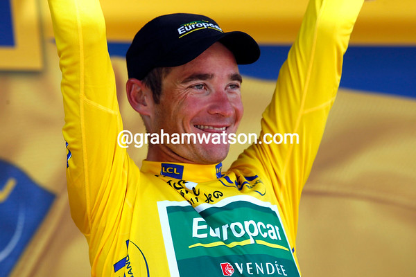 Thomas Voeckler can smile still, but his race-lead will be under attack on tomorrow's big Alpine stage to the Col du Galibier...