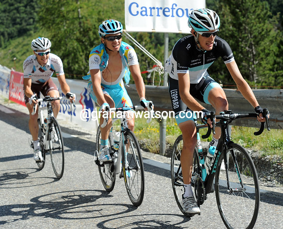 """Schleck has just Iglinsky and Roche for company as the Lautaret ends and the Galibier starts - and they are 4'30"""" up..!"""