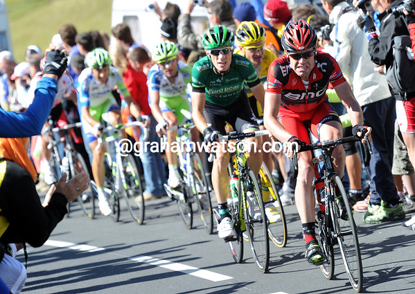 With no-one to help him, Cadel Evans starts to chase himself on the Lautaret...
