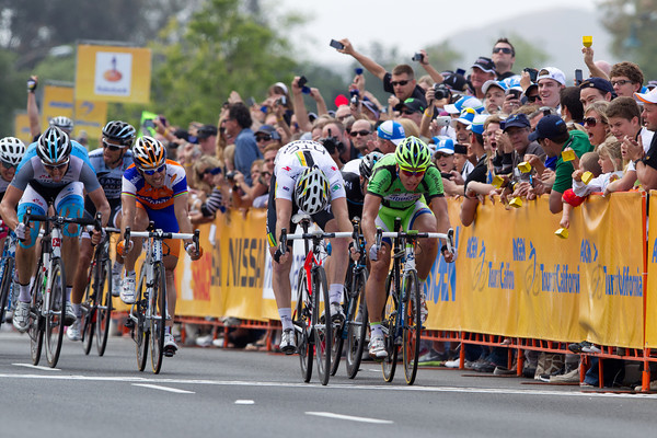 As Leigh Howard celebrates behind, HTC's Goss wins stage 8 over Sagan!