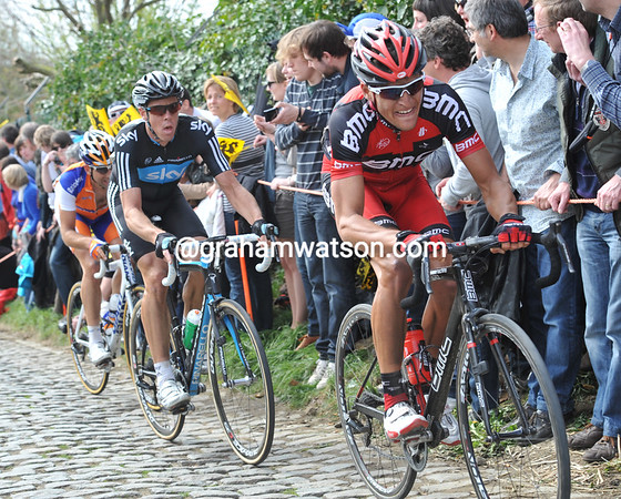 Van Avermaet and Hayman are still chasing Chavanel...