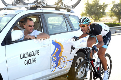 Cancellara is in good form here, just don't tell a commissaire what he's doing though...