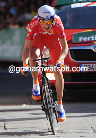 """Baule Mollema sprinted all the way into Salamanca, but took 25th place, 3' 09"""" down..."""