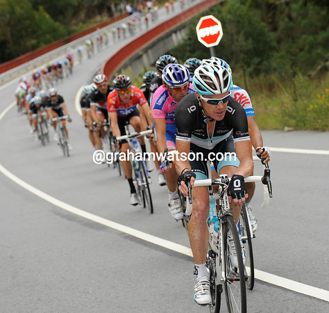 Sky is benefitting from the chasing of men like Stuart O'Grady today - Leopard fancies a stage-win for Daniele Bennati...