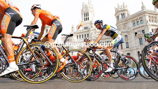 After a 30-kilometre ride into Madrid, the peloton raced twelve laps of a short circuit...