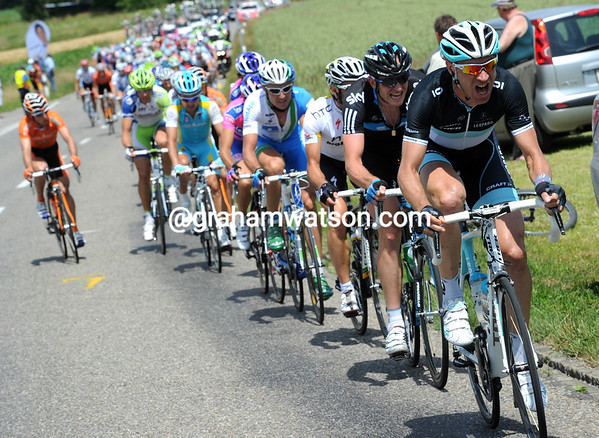 Jens Voigt personally brings the peloton up to the escape, with Sky and HTC ready to help if need be...