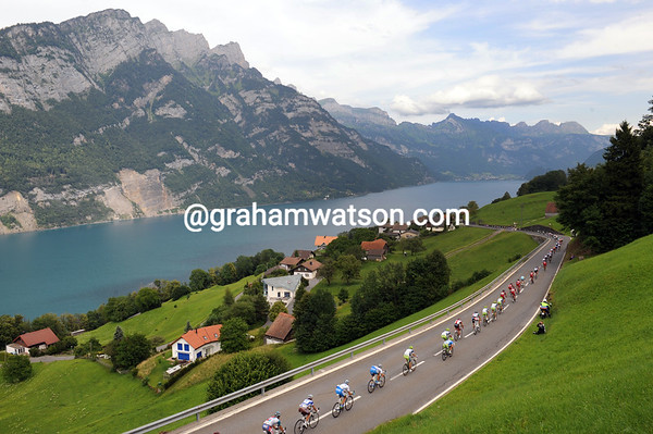 The peloton descends towards the beautiful lake of Walensee in eastern Switzerland...