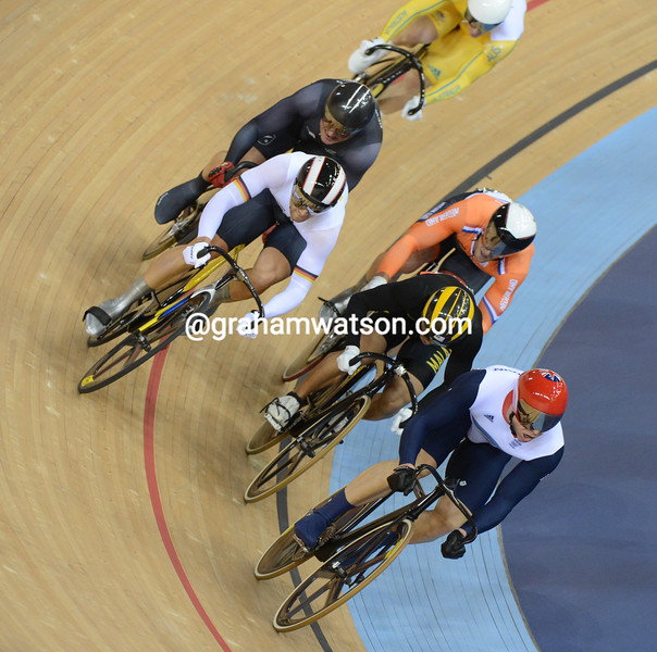 Hoy heads for the Keirin Gold medal with Awang fighting to hold off Levy, Van Velthooven and Mulder