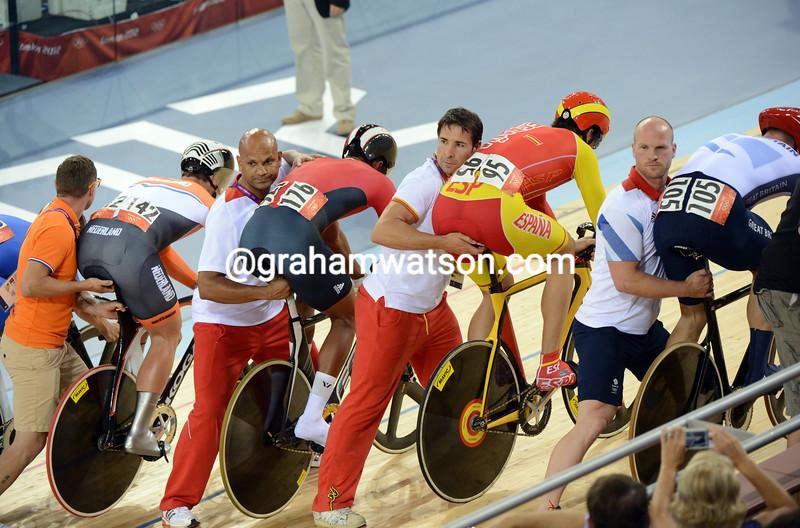 The Olympic Kierin final starts...
